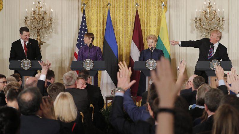 Раймонд Вейонис, Керсти Кальюлайд, Даля Грибаускайте, Дональд Трамп / Фото: ТАСС