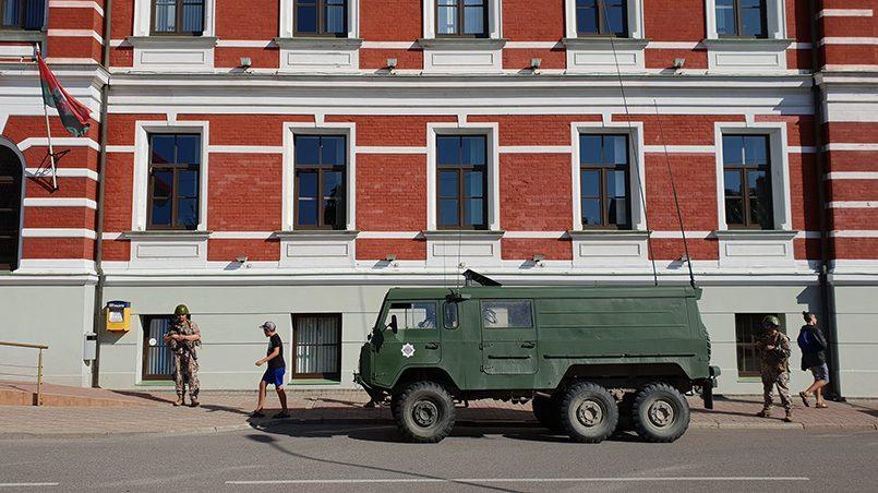Namejs 2018: латвийские военные на улицах города Лиепая. Фото: http://infoliepaja.lv