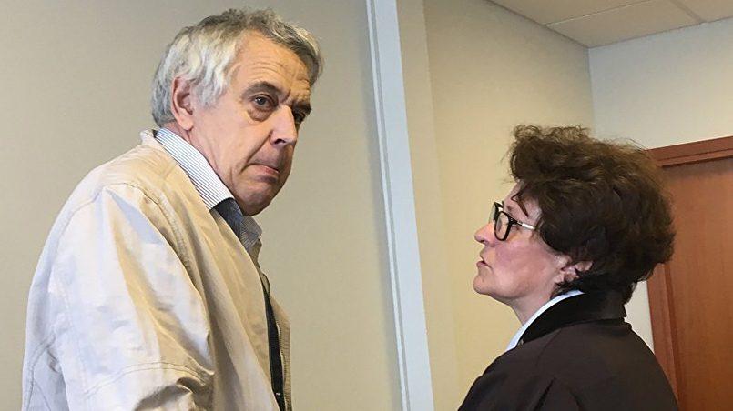 Александр Гапоненко с адвокатом Иммой Янсоне / Фото: Baltnews
