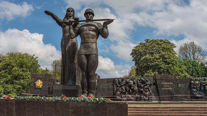 Монумент Славы во Львове / Фото: ik.arhano.ru