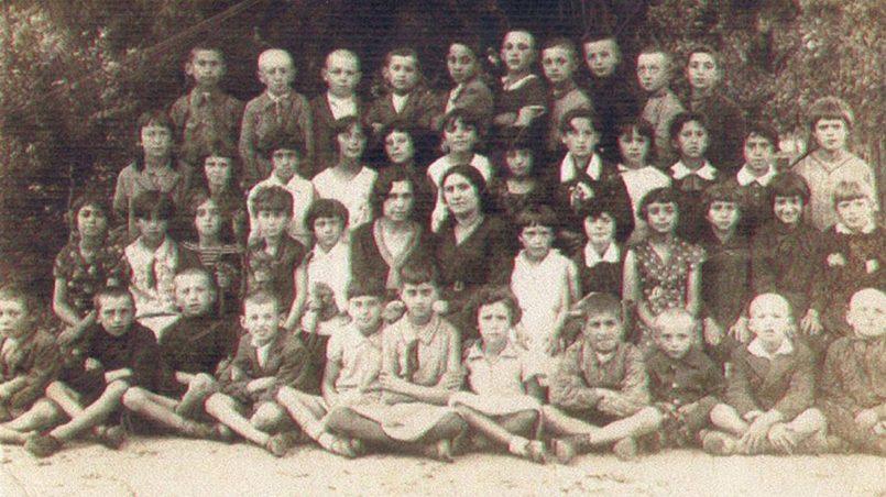 """Картинки по запросу """"Польские националисты отрубленной головой девушки играли в футбол: еврейский погром в Едвабне"""""""