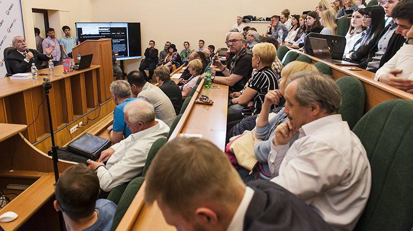 В Калининграде 20 апреля состоялось заседание дискуссионного клуба БФУ им. Канта и аналитического портала RuBaltic.Ru, на котором выступил известный итальянский писатель, публицист и политик Джульетто Кьеза / Фото: RuBaltic.Ru © Athma Photography