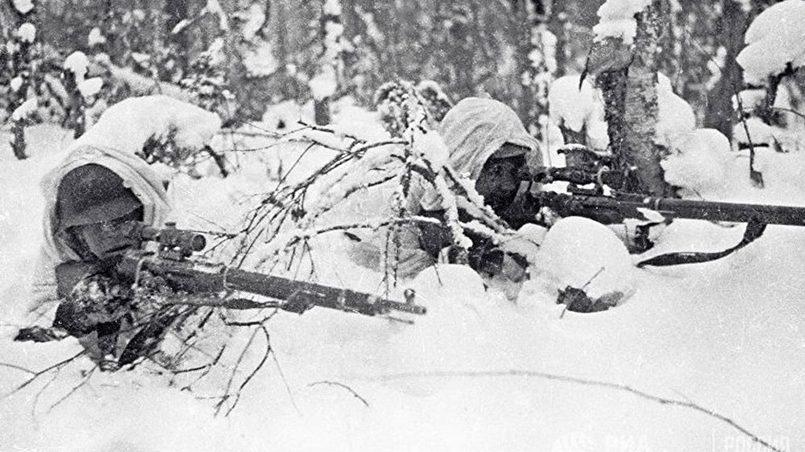 Красноармейцы-снайперы в засаде на территории Карелии. Советско-финская война 1939–1940 годов Фото: ИноСМИ