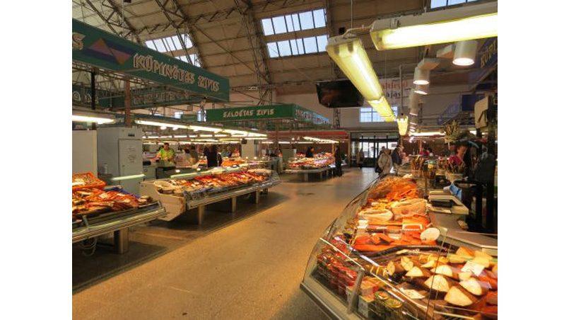 Рыбный павильон рижского Центрального рынка. Все больше и больше даров из Норвегии.