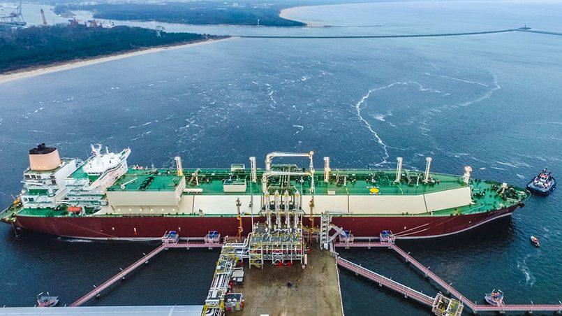 Разгрузка СПГ-танкера на регазификационном терминале в Свиноуйсьце / Фото: PGNiG