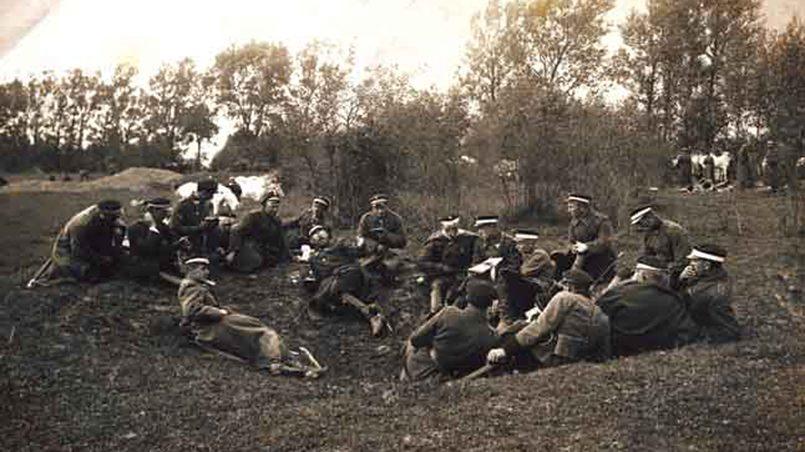 Повилас Плехавичюс вместе с немецким командиром, сфотографировано не позднее 1923 года / Фото: bernardinai.lt