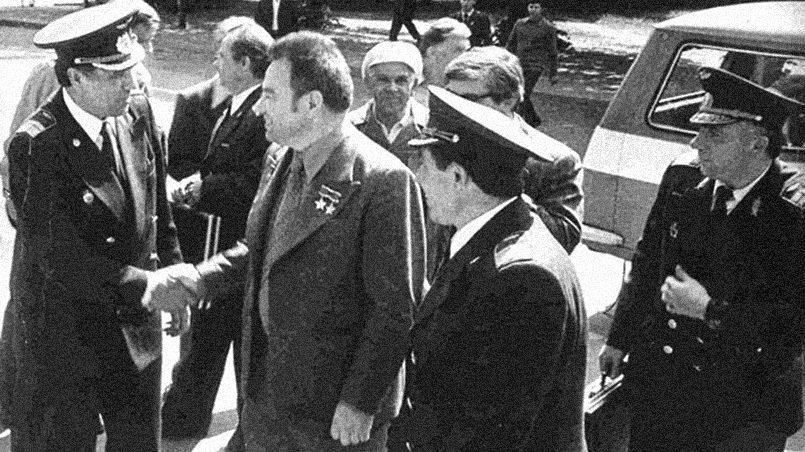 Космонавт Георгий Гречко посещает РКИИГА