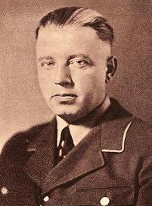 Распределением земли среди германских колонистов ведал нацистский наместник Теодор фон Рентельн