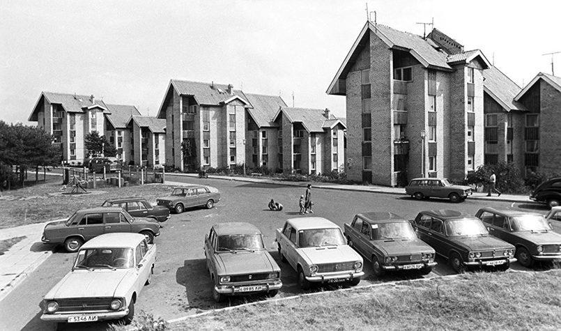 Улица Тайкос в курортном городе Неринга в Клайпедском уезде на Куршской косе, 1984 год.
