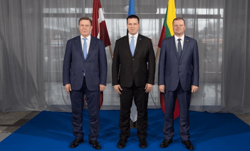 Руководства стран Балтии призывают НАТО идальше присутствовать врегионе