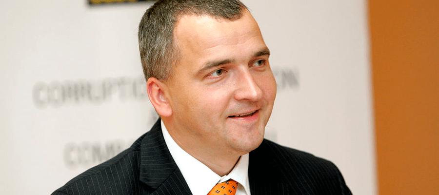 Экс-глава KNAB заявил о государственном перевороте в Латвии в 2011 году
