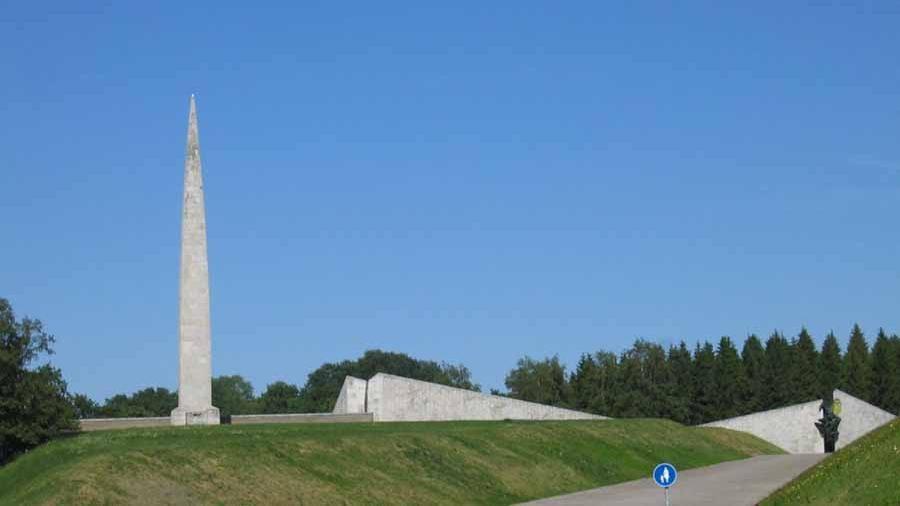 Власти Эстонии собираются частично снести советский мемориал Маарьямяэ