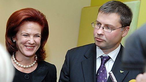 Солвита Аболтиня с Валдисом Домбровскисом