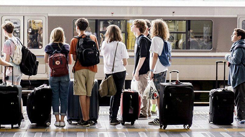 За десять лет из Латвии уехала почти половина всей молодежи