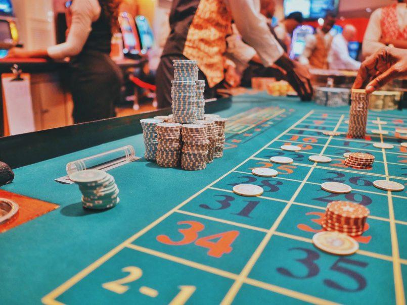играть в игровые аппараты в казино корона