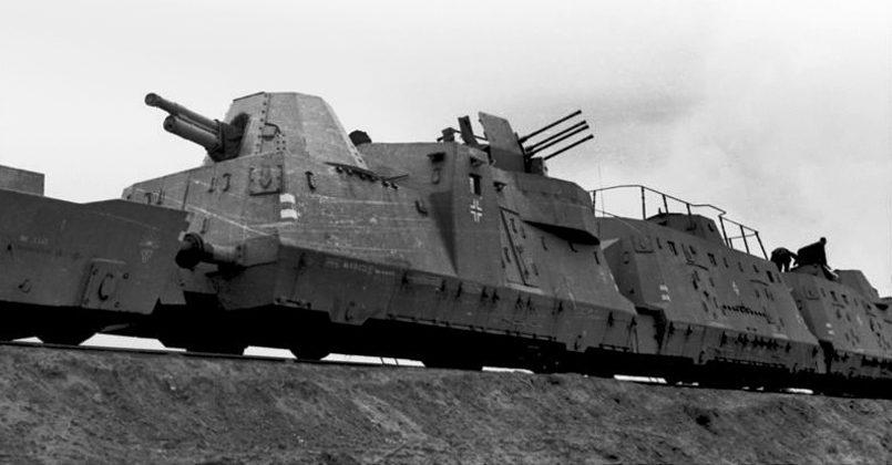 Единственный в истории танковый таран бронепоезда