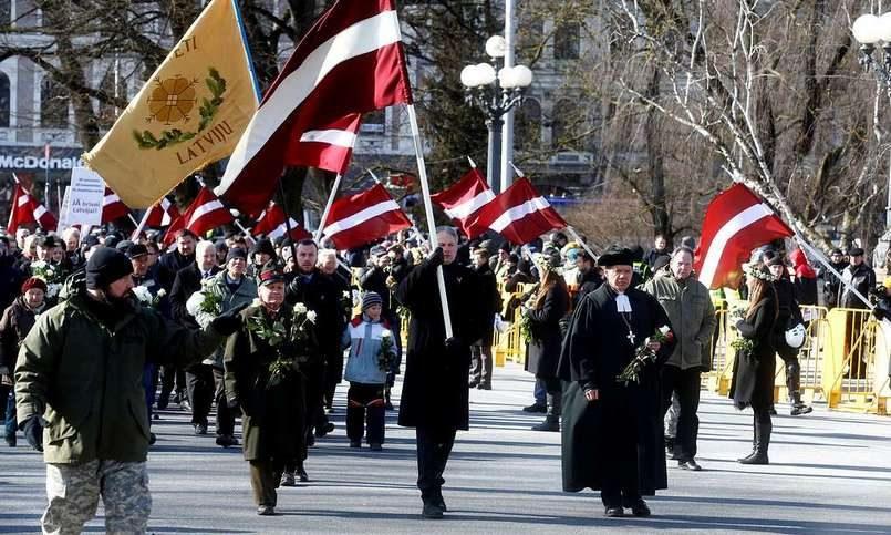 В Риге против марша памяти легионеров СС выступили 50 антифашистов