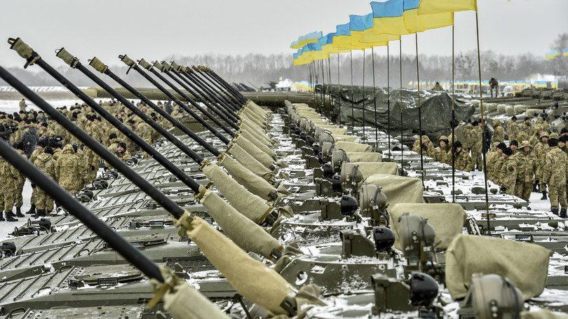 Украина получает оружие из 5-ти стран— Военные специалисты