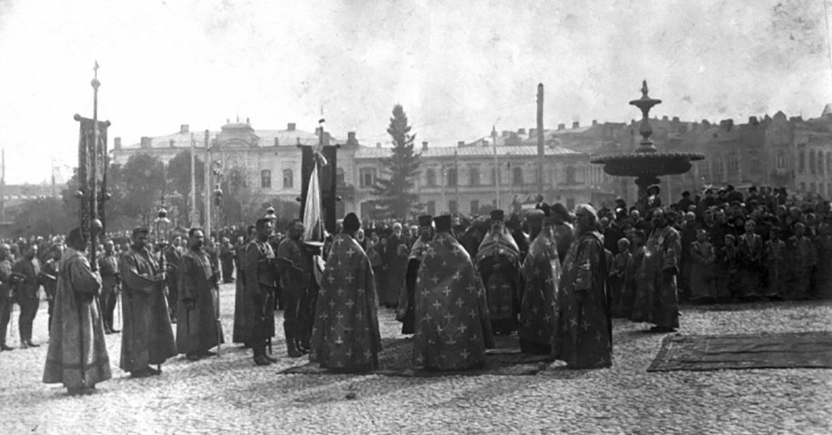 «Большевички выручили»: как провалилась первая попытка церковного раскола на Украине