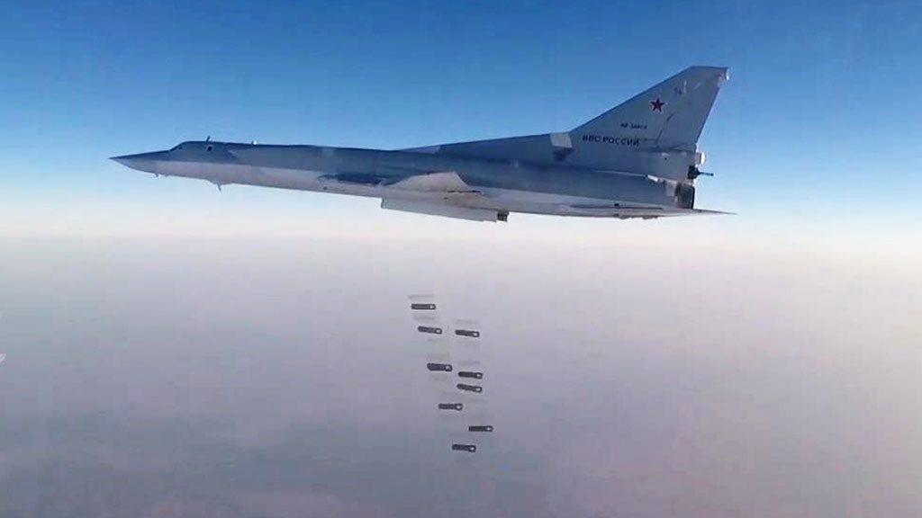 Ракетоносцы Ту-22М3 уничтожили позиции радикальных исламистов врайоне Абу-Кемаля