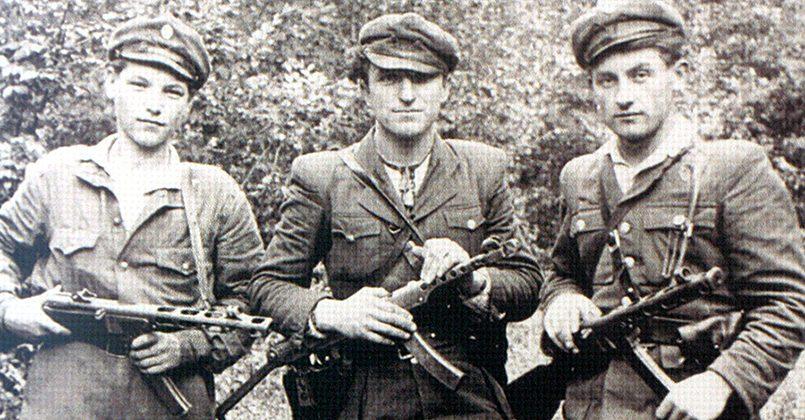 Бандеровцы переодевались в красноармейскую форму и насиловали украинских женщин