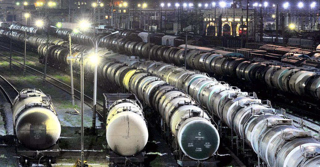 Baltarusija pradėjo eksportuoti naftos produktus aplenkdama Pabaltijį