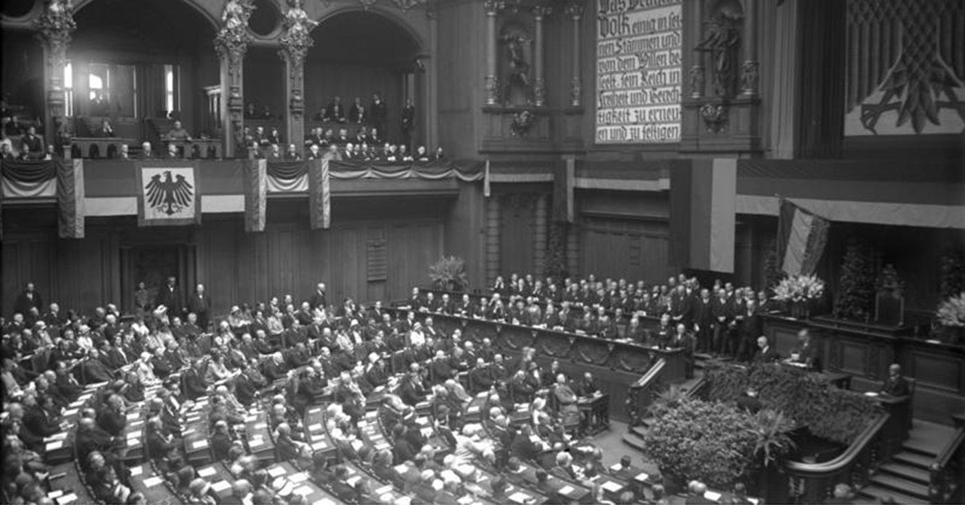 От маргиналов к массовому движению: как нацисты пришли к власти в Германии. Часть II