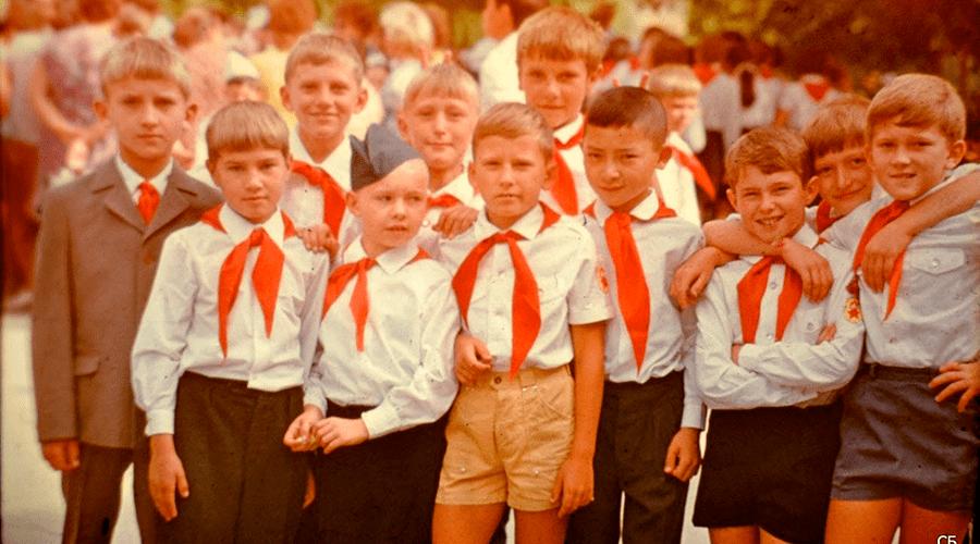 В Прибалтике уничтожили «инфраструктуру детства»