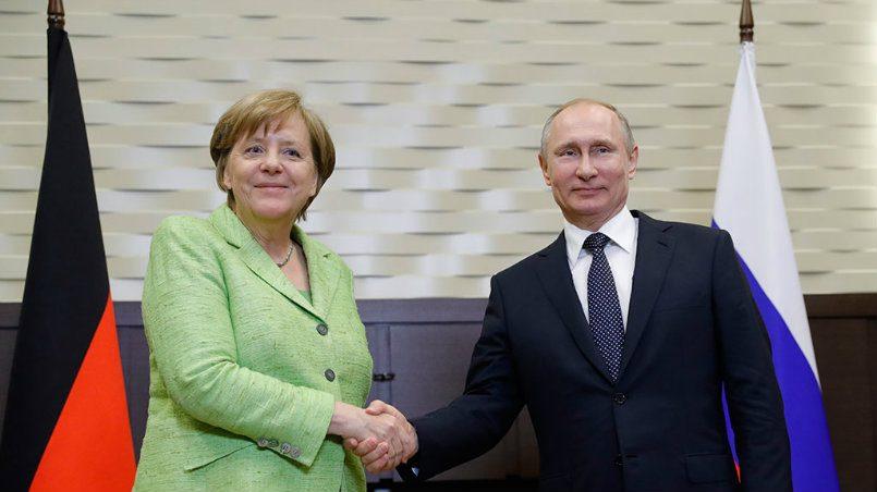 Германия неприсоединится кударам поСирии, однако поддерживает союзников— Меркель