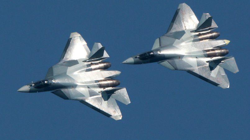 Размещено видео полетов новейших Су-57 вСирии