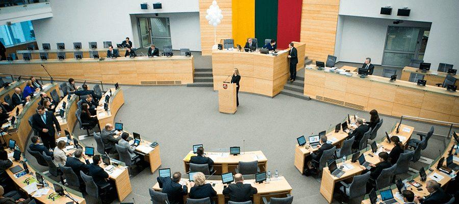 Per pusantro savo darbo mėnesio Lietuvos Seimo deputatai išeikvojo per 0,5 milijono eurų