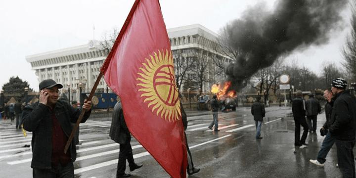 Столкновения в ходе второй кыргызской революции. Бишкек, 7 апреля 2010 года