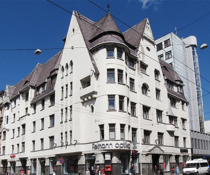 Эйжен Лаубе, доходный дом Красткална, 1908 г. Латвия, Рига, ул. Бривибас, 47.