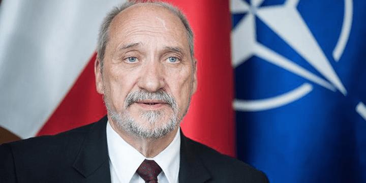 Министр обороны Польши Антоний Мацеревич
