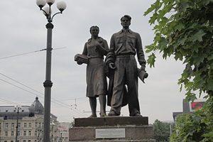 Скульптуры на Зелёном мосту