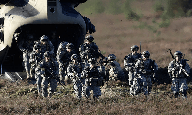 НАТО в Эстонии учится воевать с «большим враждебным государством»