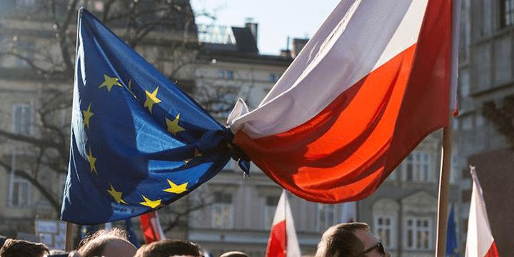 Польша будет консолидировать свой вновь полученный национальный суверенитет с другими в европейской рамке.