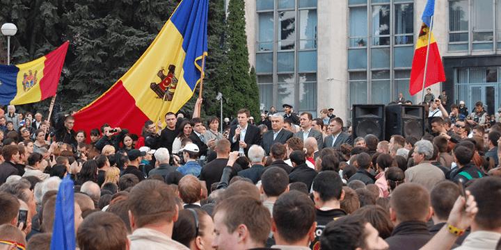 В 2009 году в Молдавии случилась своя «революция гидности».