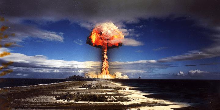Дорога к процветающему союзничеству и для Германии, и для Японии лежала через нечаянные бомбардировки Дрездена, Хиросимы и Нагасаки, а также через нечаянное размещение американских военных баз и ядерного оружия