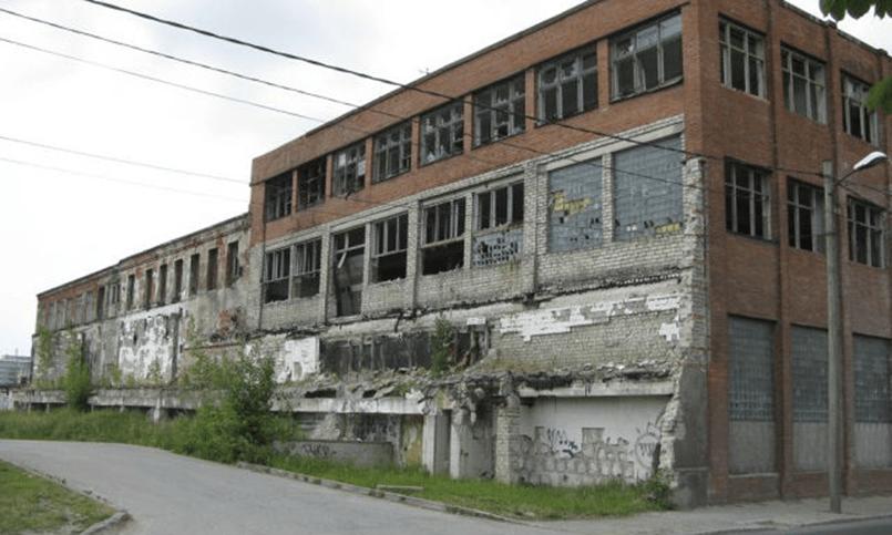 Заброшенные корпуса завода ВЭФ в Риге