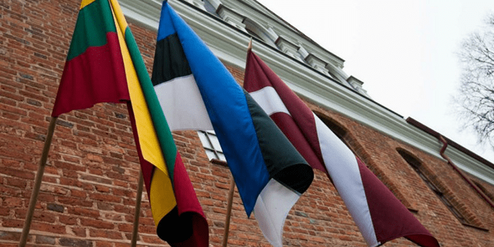 флаги стран Прибалтики