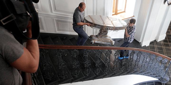 Мебель для Рижского замка