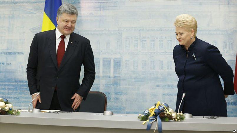 Для руководства Литвы нет ничего особенного в том, чтобы работать на два фронта — за и против Порошенко / Фото: golos-ameriki.ru