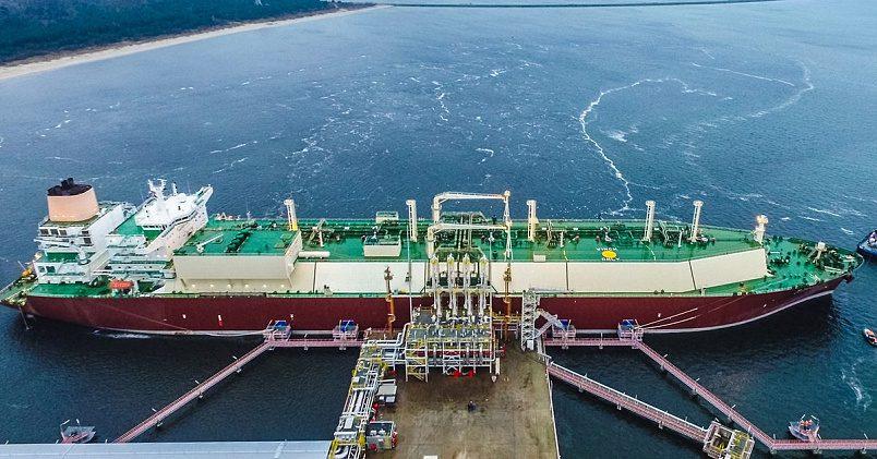 СПГ-танкер в Свиноусьце, Польша. Фото: Polskie LNG