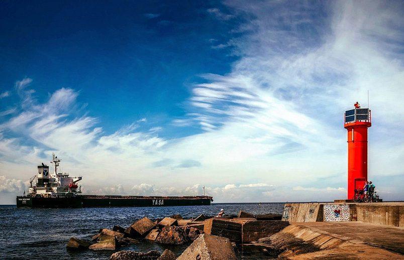 Мол на Мангальсала. Здесь располагался один из крупнейших рыболовецких колхозов Латвии