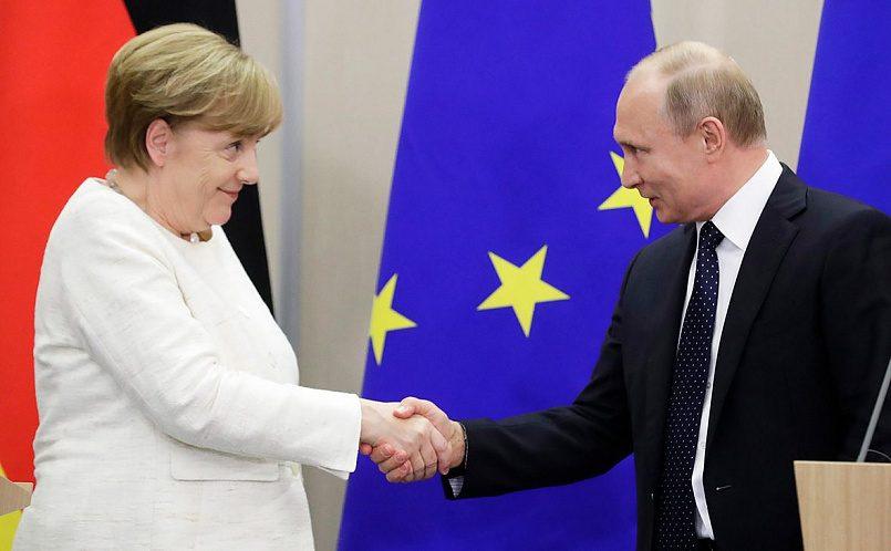 Ангела Меркель и Владимир Путин / Фото: Михаил Метцель / ТАСС
