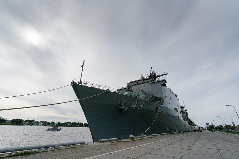 «Приличная» часть американского корабля/ Фото: Гатис Индревиц